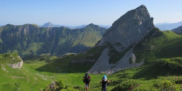 Von der Lidernenhütte hinein in die Alpenwelt