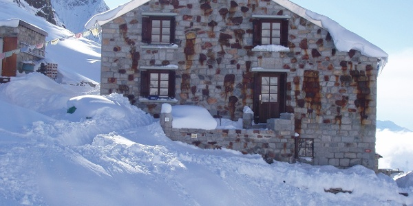 Oberaletschhütte Winter