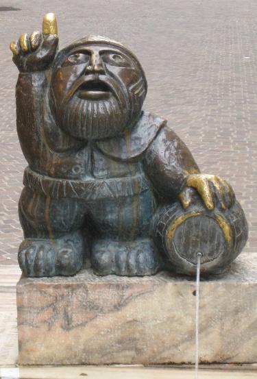 Wörthersee-Mandl in Bronze, in Klagenfurt (Heinz Goll, 1962)