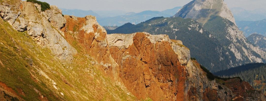 Blick vom Leobner auf die Leobner Mauer und den Lugauer