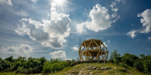 Ein Sommernachmittag am Guckler Károly-Aussichtsturm