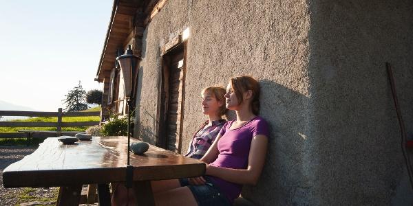 Die Ruhe auf der Heidialp geniessen.