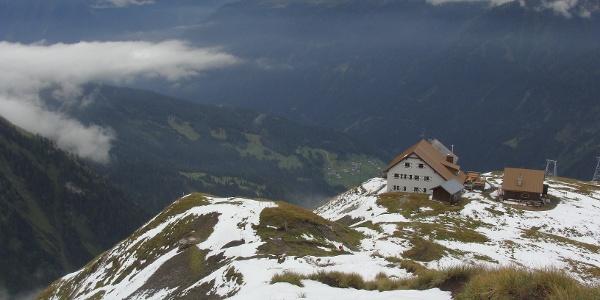 In exponierter Lage - Ansbacher Hütte