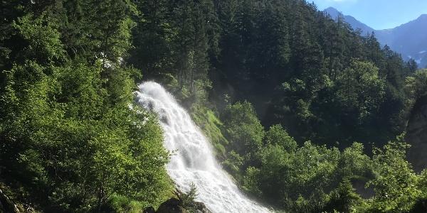 Aussicht zum Wasserfall