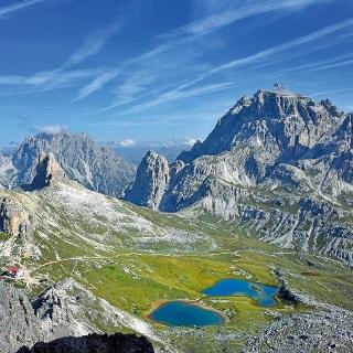 Bödenseen lake and Rifugio Antonio Locatelli mountain hut