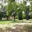 Schlosspark mit Kirche