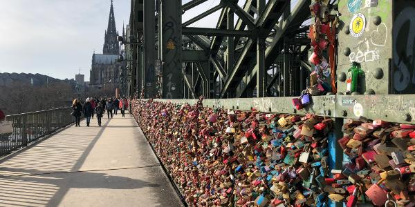 Pont Hohenzollern à la cathédrale de Cologne