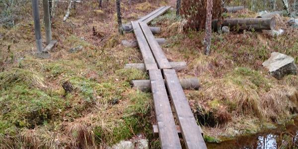 Pitkospuut, Pirttijärven Eräpolku, Kannus