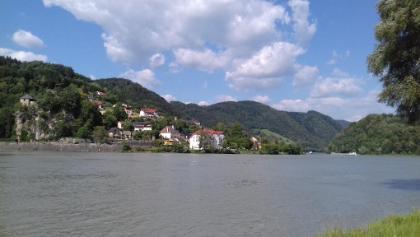 Struden mit Burg Werfenstein