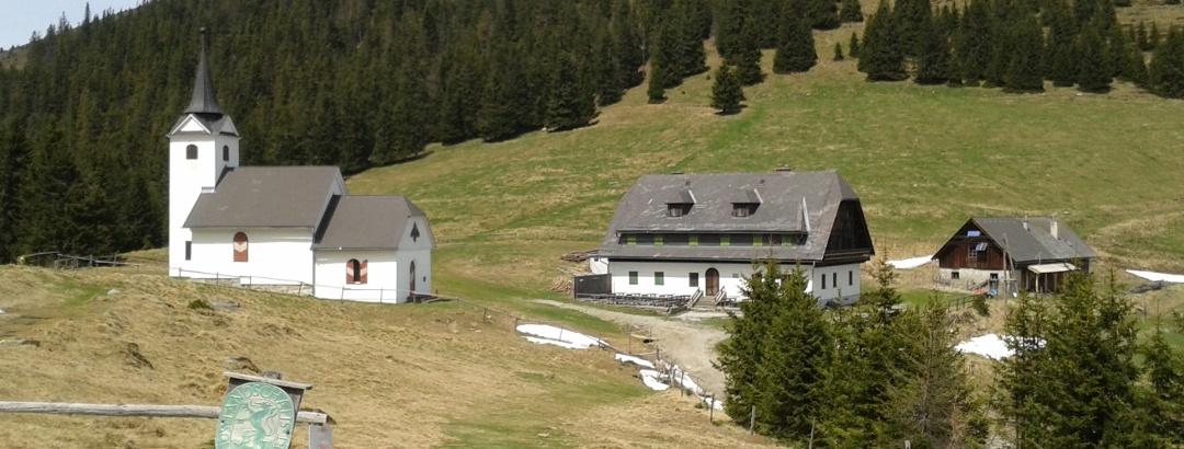 Gleinalm-Schutzhaus und Kirche