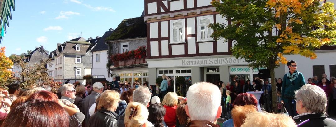 Modenschau Herbstmarkt Königstraße