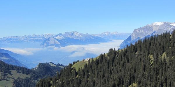 Furner Rundtour Blick ins Bündner Rheintal