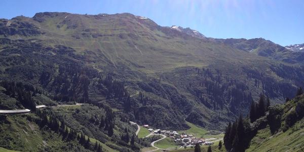 Blick von Richtung Zürs zur Kaltenbergerhütte