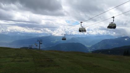 Blick vom Gerlitzer Gipfelhaus ins Tal