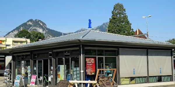 Spiez Info-Center am Bahnhof.