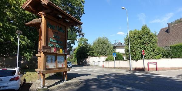 0.00 km - Start/Ende Wanderung, Hauptstraße vor Hoteleinfahrt Verte Vallée
