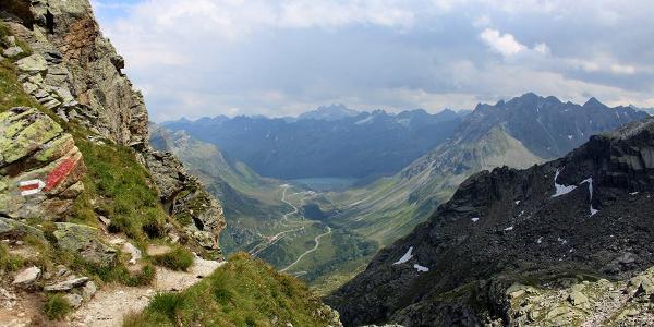 Blick vom Hochmadererjoch auf den Silvretta Stausee