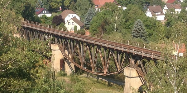 Blick über Viadukt zur Lutherstadt Mansfeld