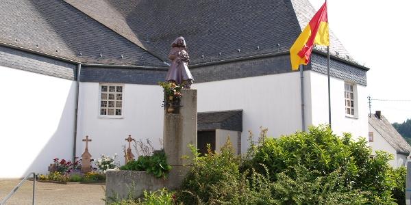 Lebensbaumkirche Manderscheid_Vulkaneifel-Pfade: Manderscheider Burgenstieg