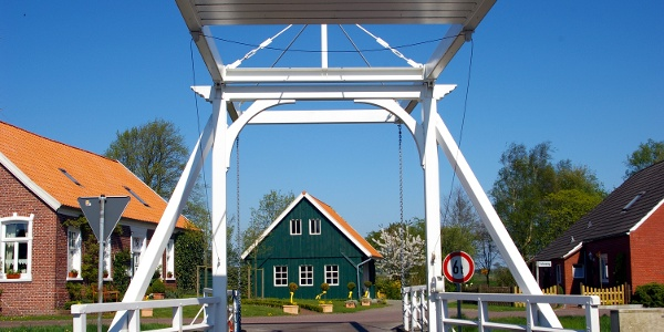 Klappbrücke in Großefehn