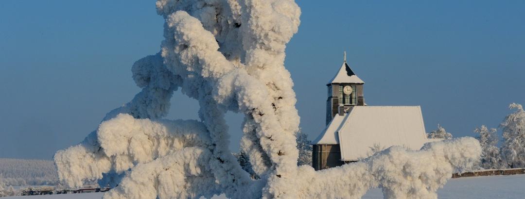 Kirche Zinnwald im Winter
