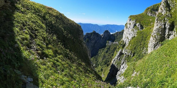 Seconda parte del Cordín : dentro uno dei tanti valloncelli da attraversare.
