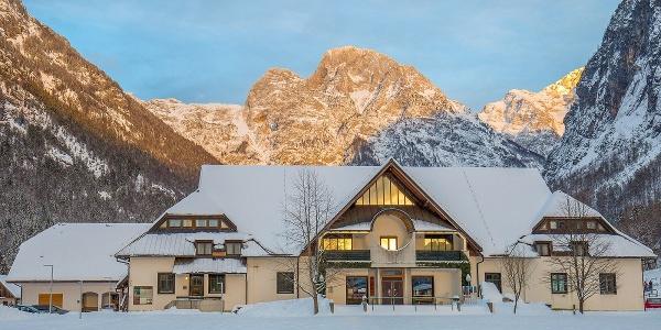 TNP information centre, winter, Dom Trenta