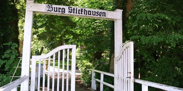 Eingangstor Burg Stickhausen