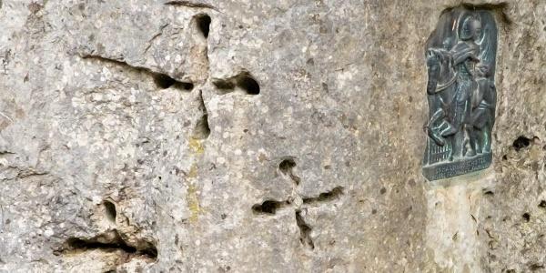 Die drei Kreuze im Buß-Pinkelstein