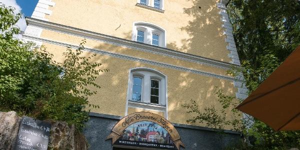 Alte Brauerei Stegen. Eingang zum bayerischen Restaurant