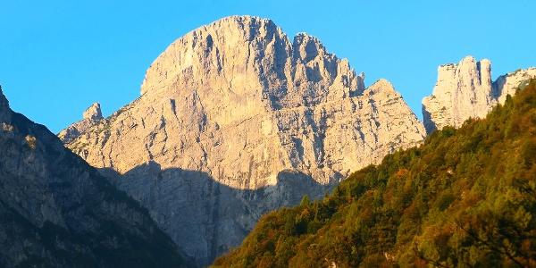 Il Monte Pizzocco visto 45 minuti dopo la partenza.