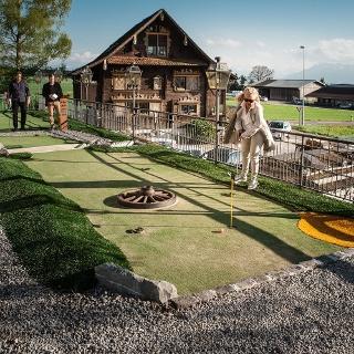 Gasthaus Hämikerberg mit Spiel!Golf Anlage