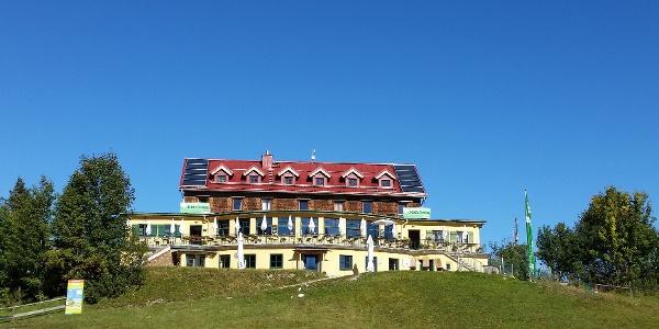 Kreuzeckhaus von Süden