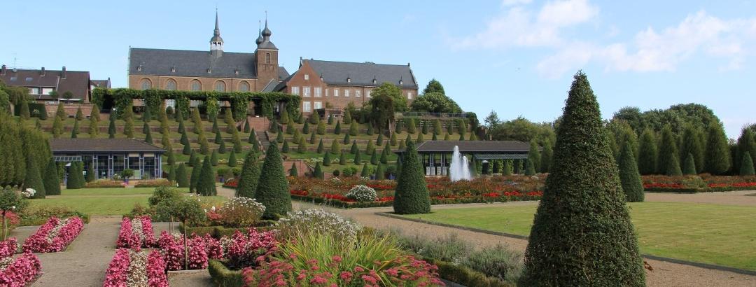 Herbstlicher Terrassengarten