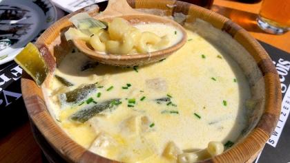 Soupe de chalet in der Buvette La Saletta.