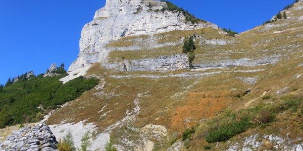 Querung oberhalb des schmalen Felsbandes