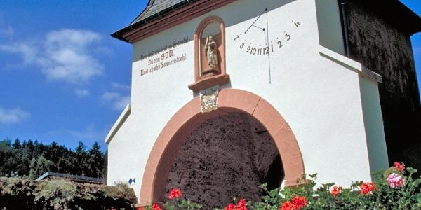 Kloster Portal St. Thomas auf der Höhen-und Täler-Tour (TV Wandertag)