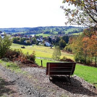 Rastplatz mit herrlichen Ausblick auf Herzhausen