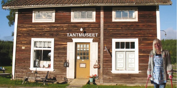 """Tantmuseet - The """"Old Lady-museum"""" - in Hovra"""