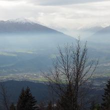 Blick von der Hinterhornalm - Mautstrasse auf das spätherbstlich Inntal