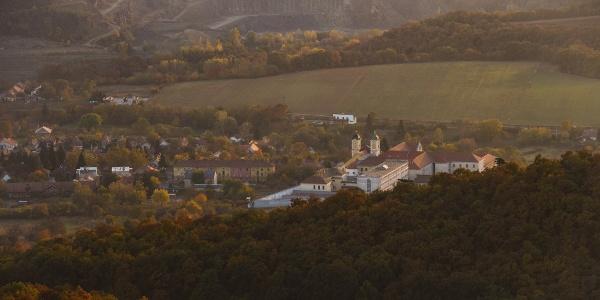 Márianosztra temploma és a börtön (Kopasz-hegy)