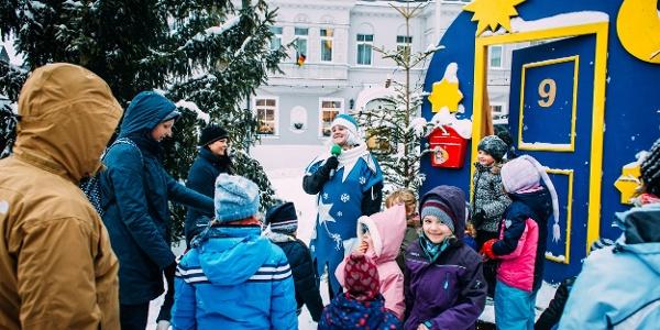 Adventstürchen Öffnen auf dem Wiesenthaler Advent