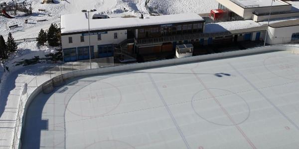 Das Sportzentrum in Zernez.