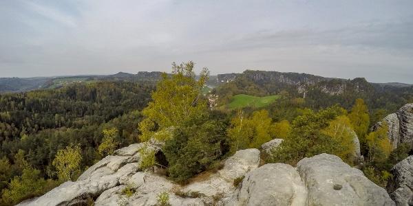 Blick vom Gamrig über das Rathener Gebiet