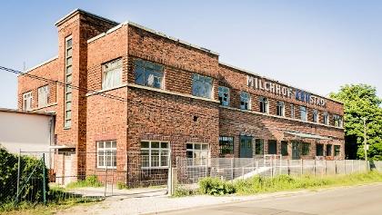 Milchhof Arnstadt, Partielle Wiederherstellung des Fassadenbildes und Musterachse über 5 m / Stand 2017