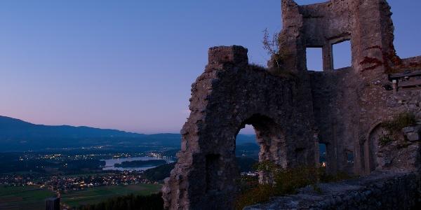 Vom See zur Burgruine Finkenstein