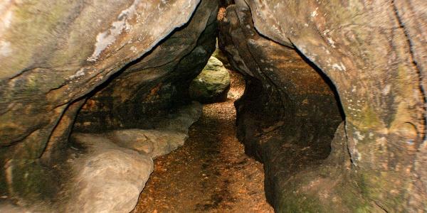 Enge Höhlengänge im Labyrinth