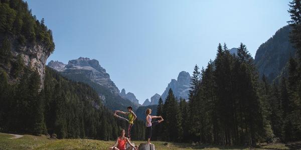 Meditazione e yoga a Malga Brenta Bassa