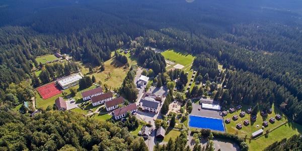 Blick auf das Gelände des Waldparks Grünheide