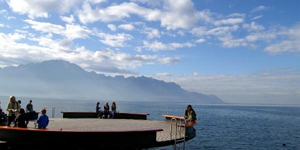 Aussichtsplattform im Genfersee bei Montreux.